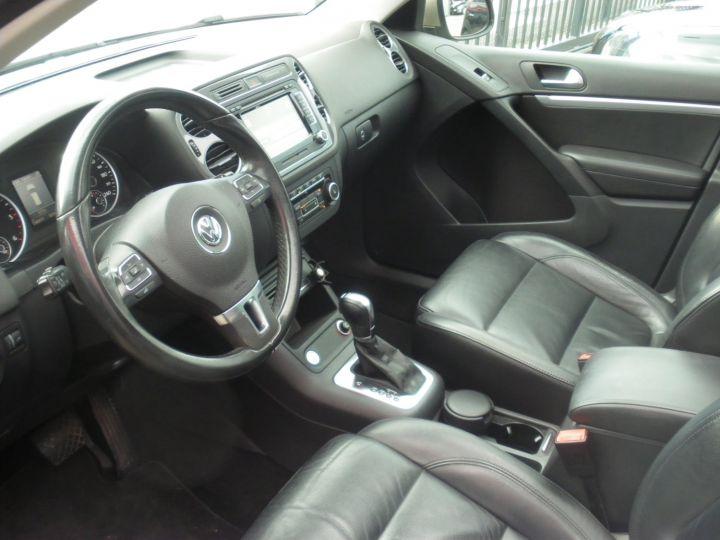 Volkswagen Tiguan 2 LITRES TDI 140 CV CARAT 4 MOTION DSG gris - 3