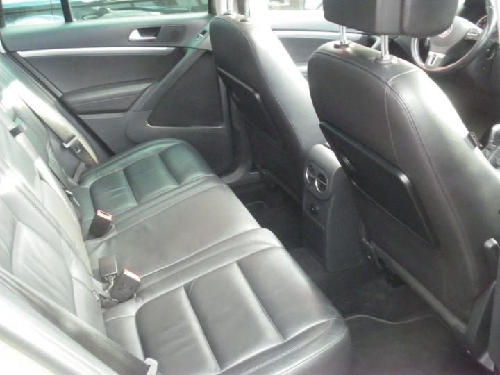 Volkswagen Tiguan 2 LITRES TDI 140 CV CARAT 4 MOTION DSG gris - 9
