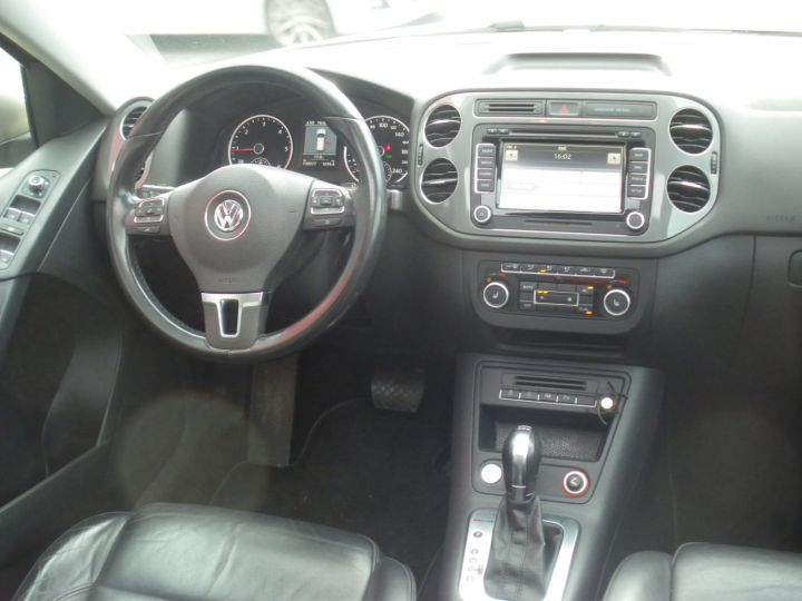 Volkswagen Tiguan 2 LITRES TDI 140 CV CARAT 4 MOTION DSG gris - 10