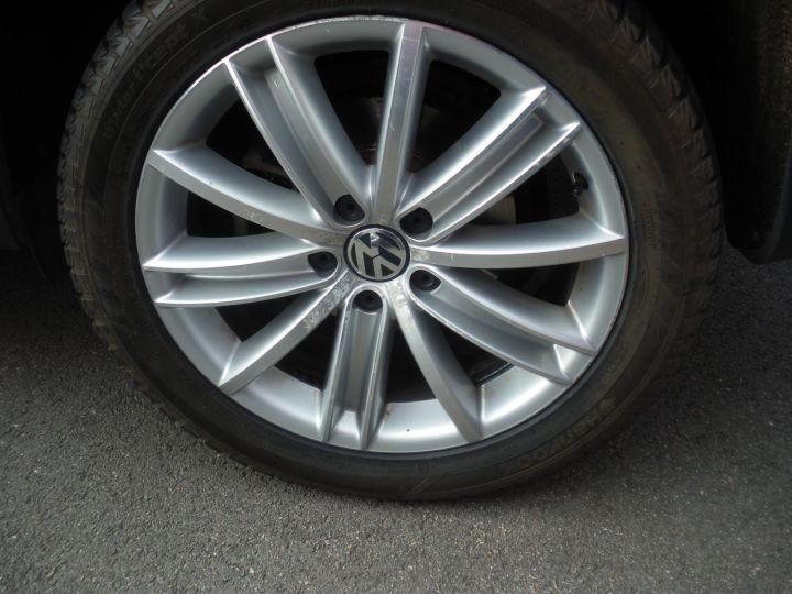 Volkswagen Tiguan 2 LITRES TDI 140 CV CARAT 4 MOTION DSG gris - 11