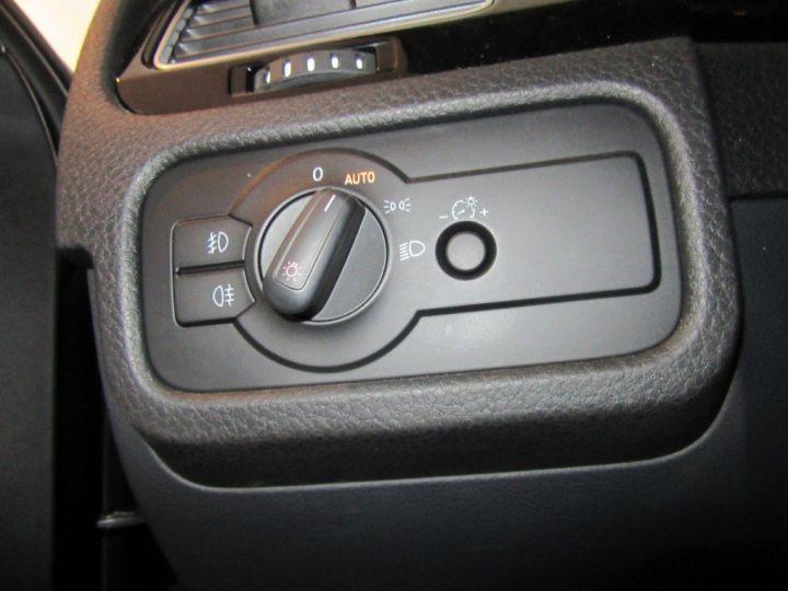 Volkswagen Touareg 3.0 V6 TDI 245 (12/2013) noir métallisé effet perle - 11