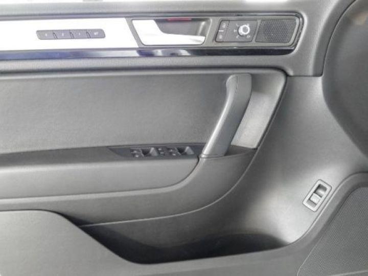 Volkswagen Touareg 3.0 V6 TDI 245CH BLUEMOTION EDITION R LINE 4MOTION TIPTRONIC BLANC Occasion - 15