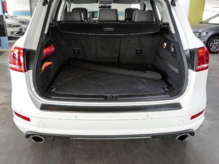 Volkswagen Touareg 3.0 V6 TDI 245CH BLUEMOTION EDITION R LINE 4MOTION TIPTRONIC BLANC Occasion - 17