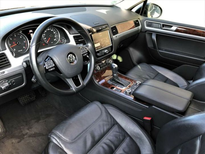 Volkswagen Touareg 3.0 V6 TDI 245CH BLUEMOTION FAP R EXCLUSIVE 4MOTION TIPTRONIC NOIR Occasion - 8
