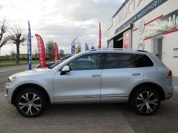 Volkswagen Touareg 3.0 V6 TDI 262CH BLUEMOTION TECHNOLOGY CARAT 4MOTION TIPTRONIC Gris Clair - 5