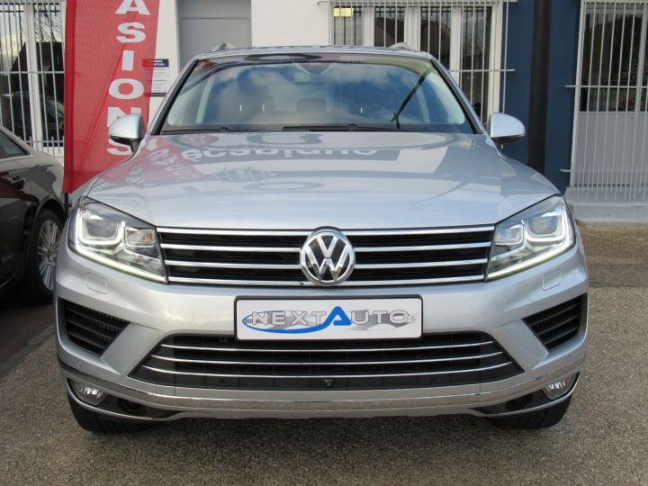 Volkswagen Touareg 3.0 V6 TDI 262CH BLUEMOTION TECHNOLOGY CARAT 4MOTION TIPTRONIC Gris Clair - 6