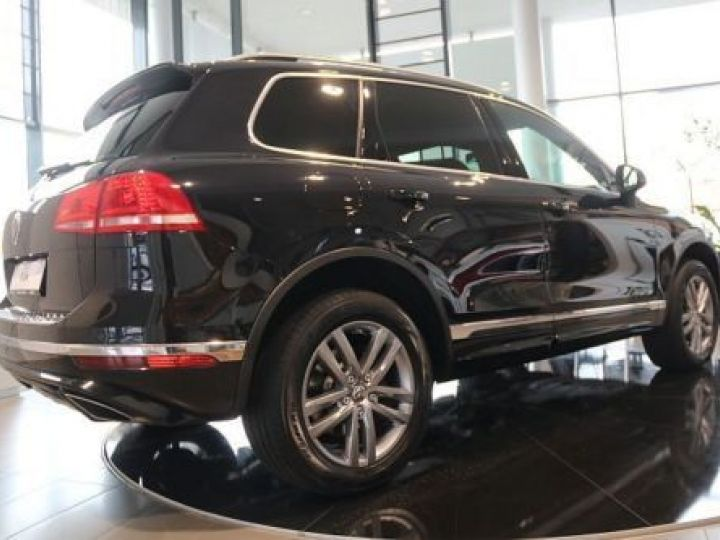 Volkswagen Touareg 3.0 V6 TDI 262CH BLUEMOTION TECHNOLOGY CARAT 4XMOTION TIPTRONIC NOIR Occasion - 3