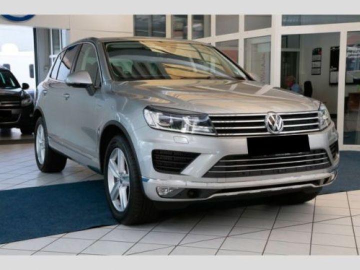 Volkswagen Touareg 3.0 V6 TDI 262CH BLUEMOTION TECHNOLOGY CARAT 4XMOTION TIPTRONIC GRIS Occasion - 1