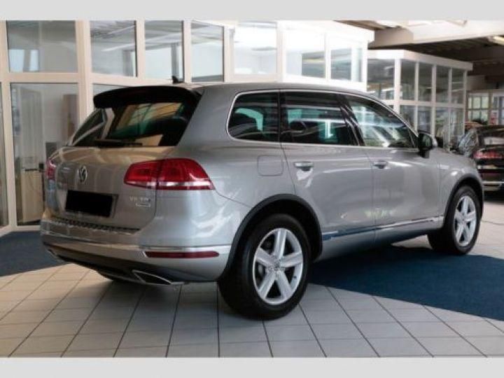 Volkswagen Touareg 3.0 V6 TDI 262CH BLUEMOTION TECHNOLOGY CARAT 4XMOTION TIPTRONIC GRIS Occasion - 2