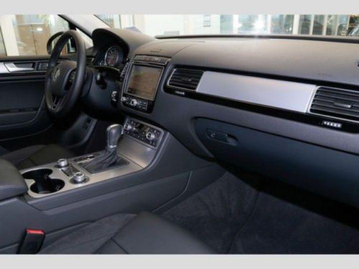 Volkswagen Touareg 3.0 V6 TDI 262CH BLUEMOTION TECHNOLOGY CARAT 4XMOTION TIPTRONIC GRIS Occasion - 6
