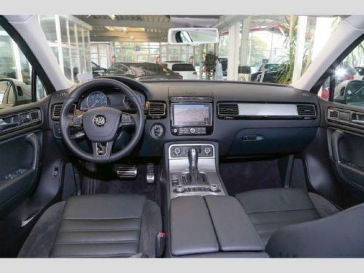 Volkswagen Touareg 3.0 V6 TDI 262CH BLUEMOTION TECHNOLOGY CARAT 4XMOTION TIPTRONIC GRIS Occasion - 8
