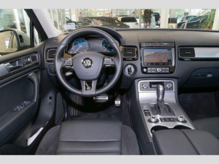 Volkswagen Touareg 3.0 V6 TDI 262CH BLUEMOTION TECHNOLOGY CARAT 4XMOTION TIPTRONIC GRIS Occasion - 9