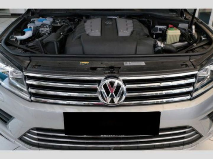 Volkswagen Touareg 3.0 V6 TDI 262CH BLUEMOTION TECHNOLOGY CARAT 4XMOTION TIPTRONIC GRIS Occasion - 11