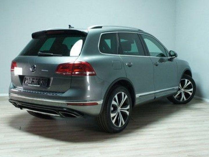 Volkswagen Touareg 3.0 V6 TDI 262CH BLUEMOTION TECHNOLOGY CARAT EDITION 4XMOTION TIPTRONIC GRIS Occasion - 2