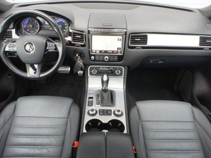 Volkswagen Touareg 3.0 V6 TDI 262CH BLUEMOTION TECHNOLOGY CARAT EDITION 4XMOTION TIPTRONIC GRIS Occasion - 3