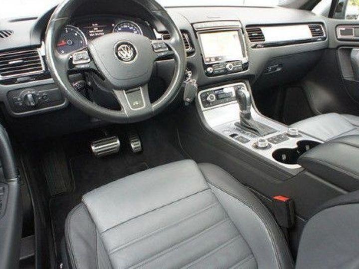 Volkswagen Touareg 3.0 V6 TDI 262CH BLUEMOTION TECHNOLOGY CARAT EDITION 4XMOTION TIPTRONIC GRIS Occasion - 8