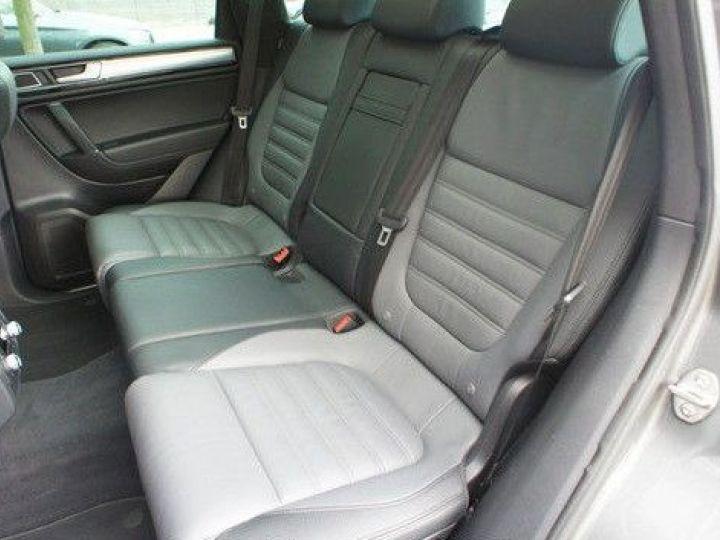 Volkswagen Touareg 3.0 V6 TDI 262CH BLUEMOTION TECHNOLOGY CARAT EDITION 4XMOTION TIPTRONIC GRIS Occasion - 9