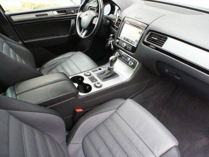 Volkswagen Touareg 3.0 V6 TDI 262CH BLUEMOTION TECHNOLOGY CARAT EDITION 4XMOTION TIPTRONIC GRIS Occasion - 11