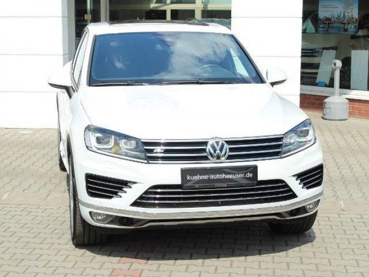 Volkswagen Touareg 3.0 V6 TDI 262CH BLUEMOTION TECHNOLOGY CARAT EDITION 4XMOTION TIPTRONIC BLANC Occasion - 1