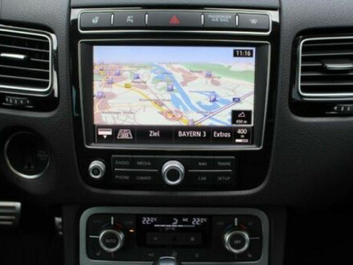 Volkswagen Touareg 3.0 V6 TDI 262CH BLUEMOTION TECHNOLOGY CARAT EDITION 4XMOTION TIPTRONIC BLANC Occasion - 10