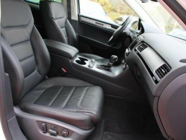 Volkswagen Touareg 3.0 V6 TDI 262CH BLUEMOTION TECHNOLOGY CARAT EDITION 4XMOTION TIPTRONIC BLANC Occasion - 14
