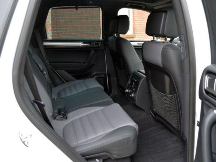 Volkswagen Touareg 3.0 V6 TDI 262CH BLUEMOTION TECHNOLOGY CARAT EDITION 4XMOTION TIPTRONIC BLANC Occasion - 2