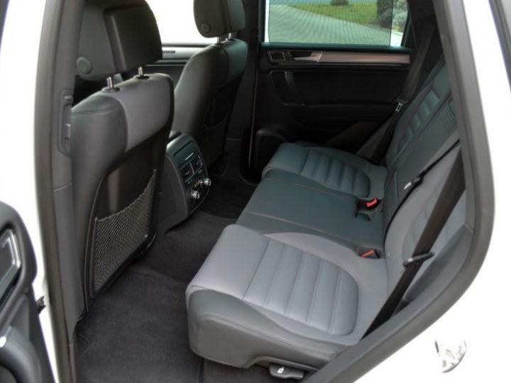 Volkswagen Touareg 3.0 V6 TDI 262CH BLUEMOTION TECHNOLOGY CARAT EDITION 4XMOTION TIPTRONIC BLANC Occasion - 18