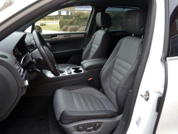 Volkswagen Touareg 3.0 V6 TDI 262CH BLUEMOTION TECHNOLOGY CARAT EDITION 4XMOTION TIPTRONIC BLANC Occasion - 19