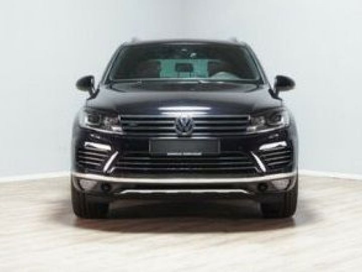 Volkswagen Touareg 3.0 V6 TDI 262CH BLUEMOTION TECHNOLOGY CARAT EXCLUSIVE 4MOTION TIPTRONIC NOIR Occasion - 1