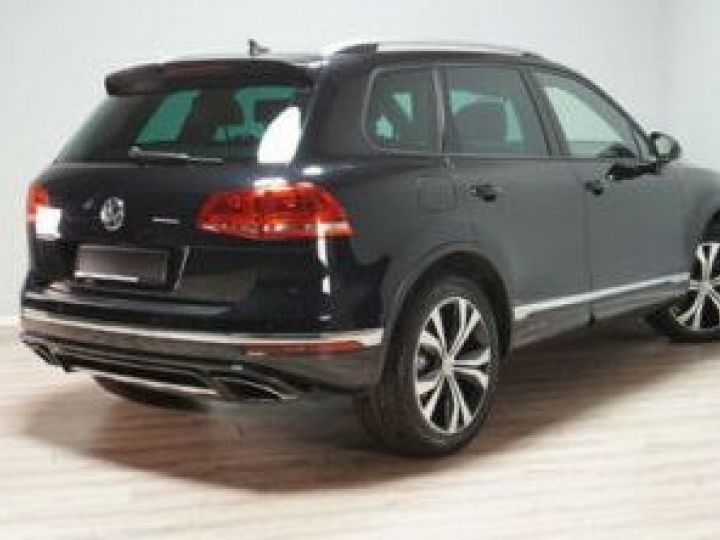 Volkswagen Touareg 3.0 V6 TDI 262CH BLUEMOTION TECHNOLOGY CARAT EXCLUSIVE 4MOTION TIPTRONIC NOIR Occasion - 3