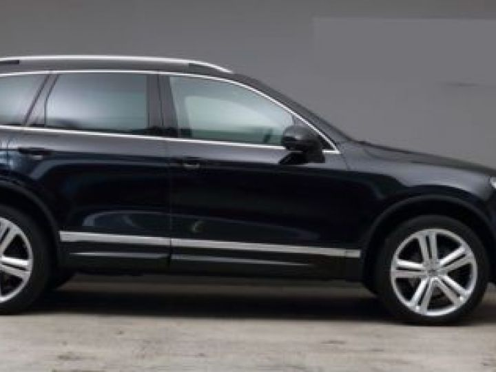 Volkswagen Touareg 3.0 V6 TDI 262CH BLUEMOTION TECHNOLOGY CARAT EXCLUSIVE 4XMOTION TIPTRONIC NOIR Occasion - 1