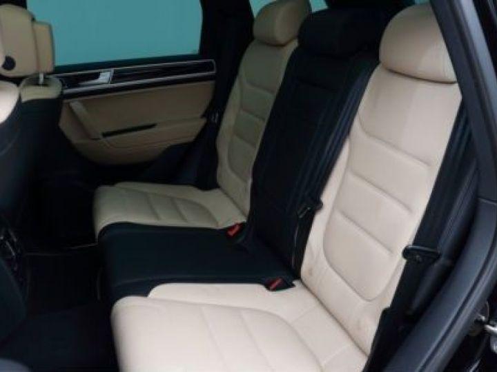 Volkswagen Touareg 3.0 V6 TDI 262CH BLUEMOTION TECHNOLOGY CARAT EXCLUSIVE 4XMOTION TIPTRONIC NOIR Occasion - 18