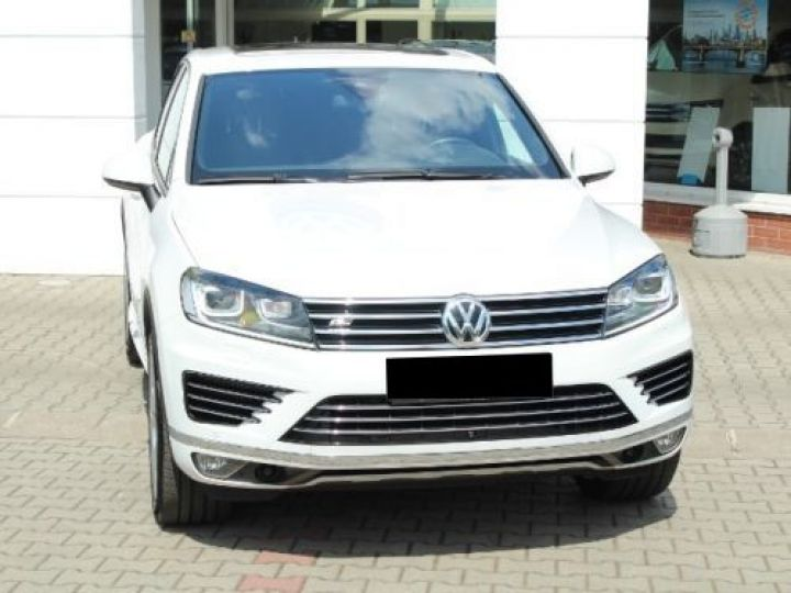 Volkswagen Touareg 3.0 V6 TDI 262CH BLUEMOTION TECHNOLOGY R-LINE 4MOTION TIPTRONIC BLANC Occasion - 2
