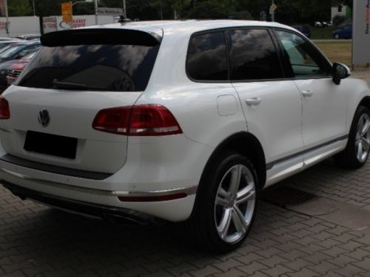 Volkswagen Touareg 3.0 V6 TDI 262CH BLUEMOTION TECHNOLOGY R-LINE 4MOTION TIPTRONIC BLANC Occasion - 3