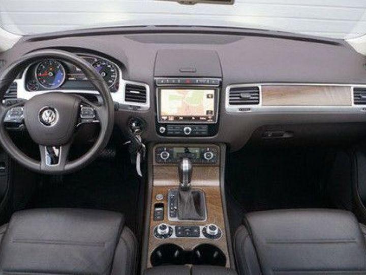 Volkswagen Touareg 3.0 V6 TDI 262CH R-LINE TIPTRONIC GRIS Occasion - 2