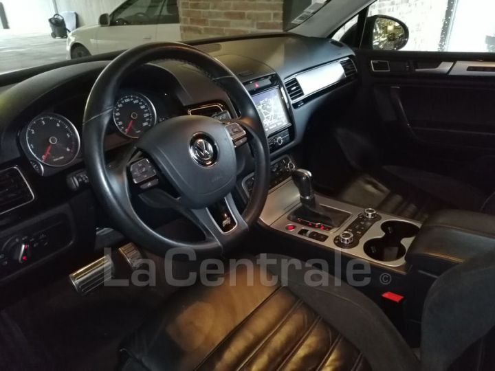 Volkswagen Touareg II 3.0 V6 TDI 245 FAP BLUEMOTION TECHNOLOGY R-LINE EDITION TIPTRONIC noir metal - 6