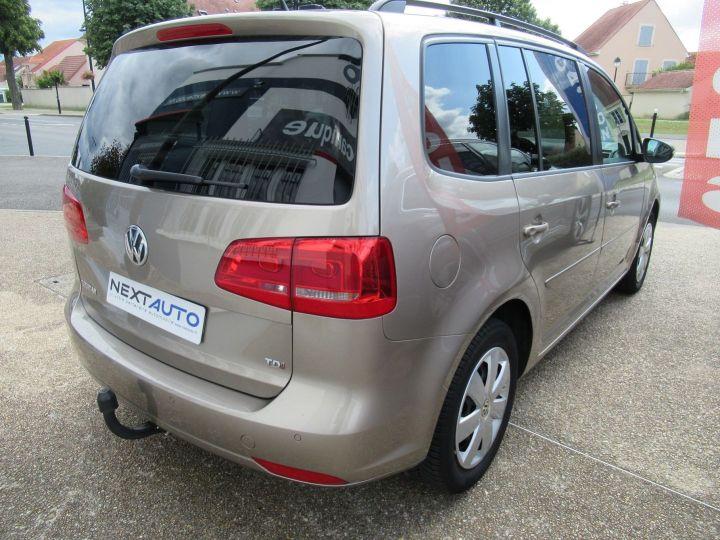 Volkswagen Touran 1.6 TDI 105CH FAP CONFORTLINE Beige Metallise - 13