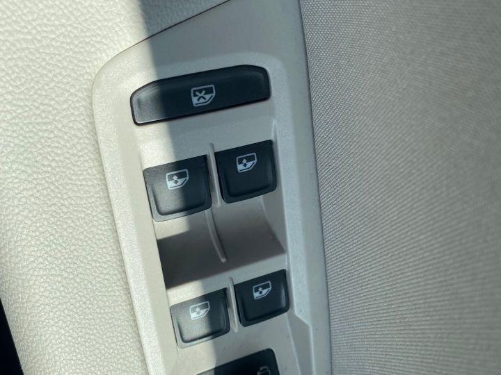 Volkswagen Touran 1.6 TDI 115cv confortline business  pack led blanc nacre - 16