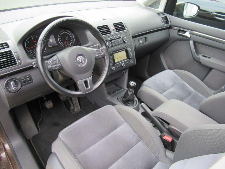 Volkswagen Touran 2.0 TDI 140CH FAP CARAT Marron - 2