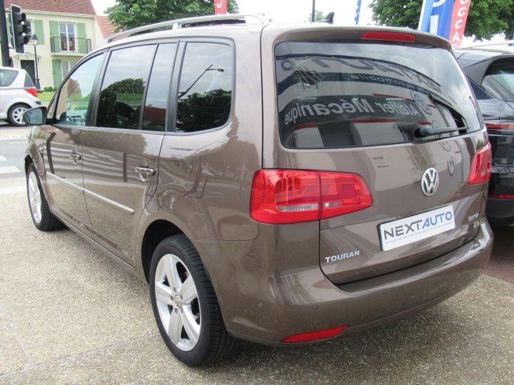 Volkswagen Touran 2.0 TDI 140CH FAP CARAT Marron - 3
