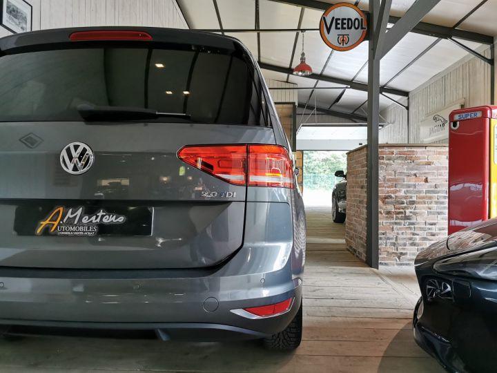 Volkswagen Touran 2.0 TDI 150 CV SOUND 7PL Gris - 12