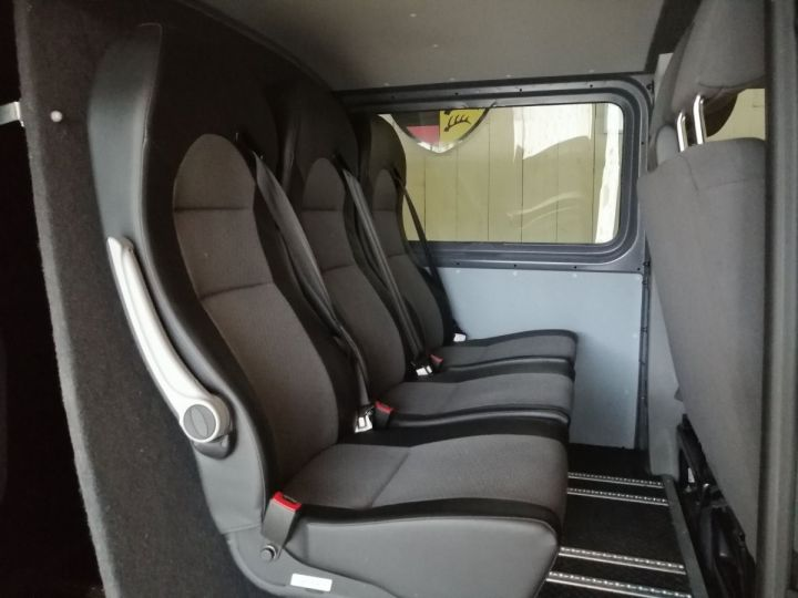 Volkswagen Transporter PROCAB 2.0 TDI 140 CV L1H1 4MOTION Gris - 8