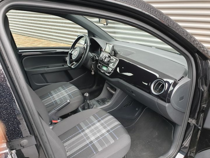 Volkswagen Up 1.0 60 club 5 portes 21 848kms Noir Occasion - 6