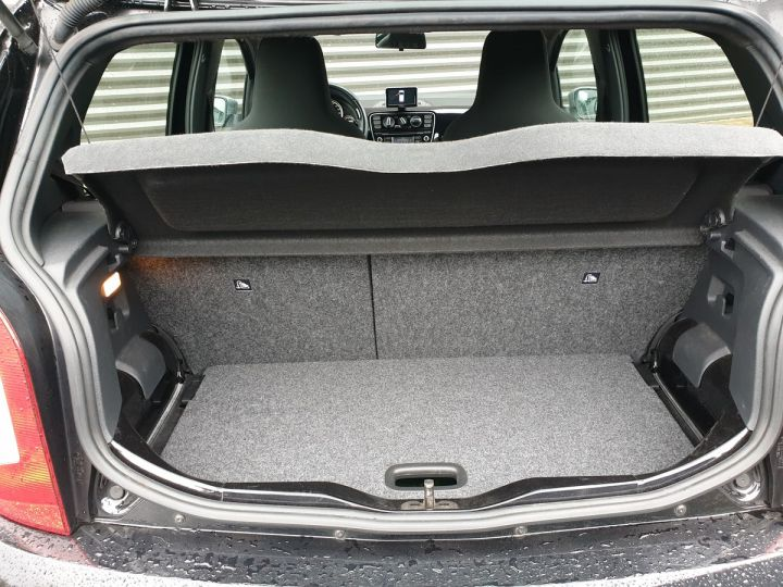 Volkswagen Up 1.0 60 club 5 portes 21 848kms Noir Occasion - 13