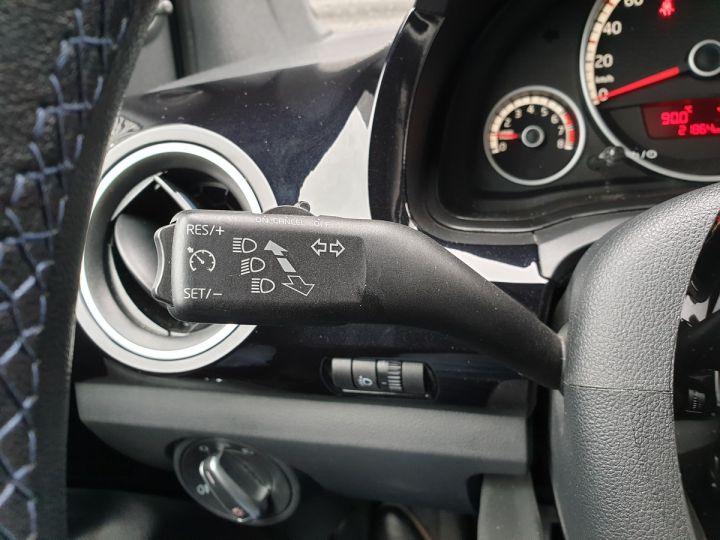 Volkswagen Up 1.0 60 club 5 portes 21 848kms v Noir Occasion - 11
