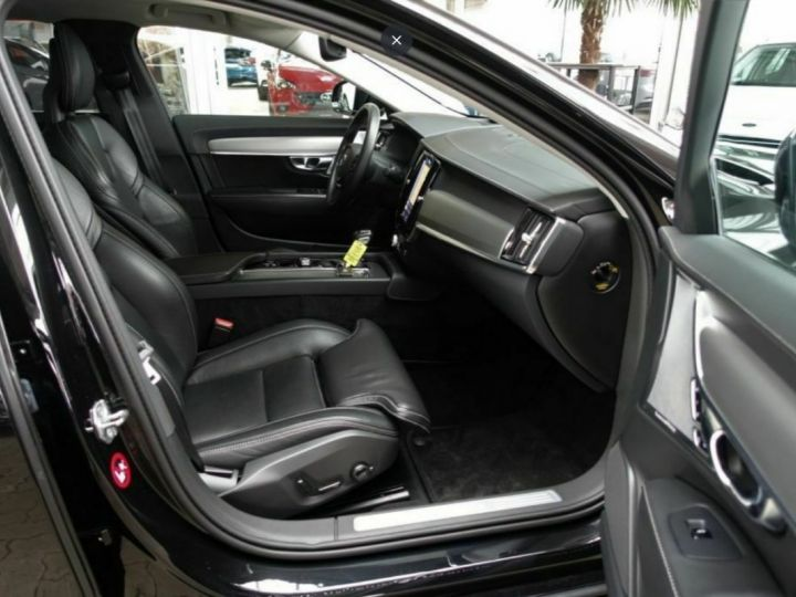 Volvo S90 II D5 AWD 235  INSCRIPTION LUXE GEARTRONIC 8 noir métal - 6