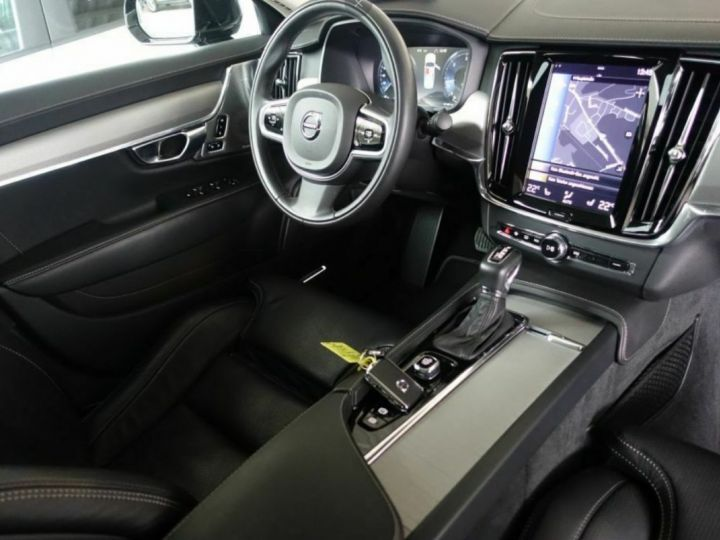 Volvo S90 II D5 AWD 235  INSCRIPTION LUXE GEARTRONIC 8 noir métal - 7