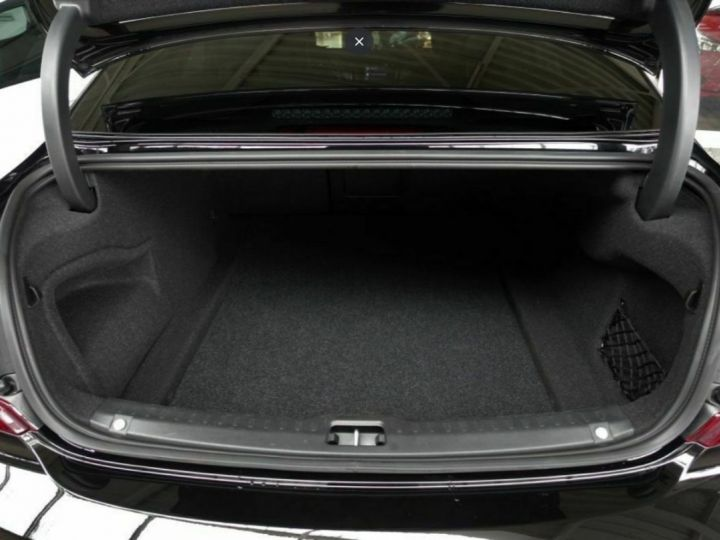 Volvo S90 II D5 AWD 235  INSCRIPTION LUXE GEARTRONIC 8 noir métal - 9