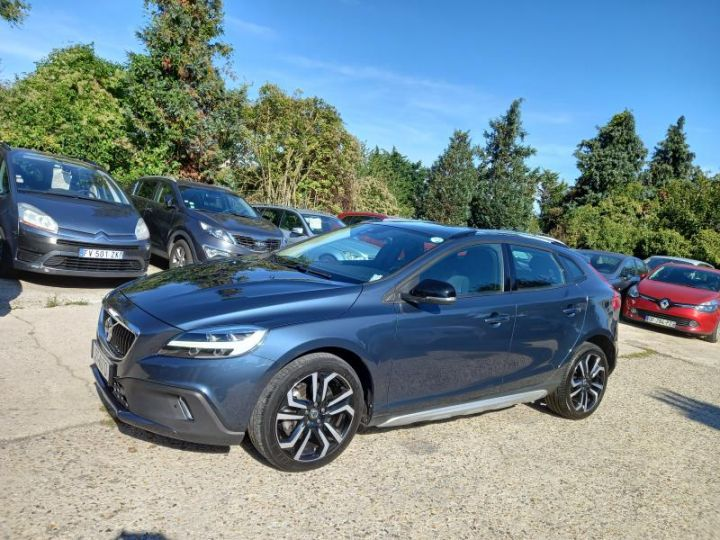 Volvo V40 CROSS COUNTRY D2 120 OVERSTA EDITION GEARTRONIC 6  - 1