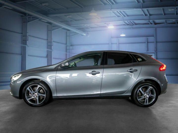 Volvo V40 #  D4 Momentum # 1ere Main # 29761Kms # Gris Peinture métallisée - 2